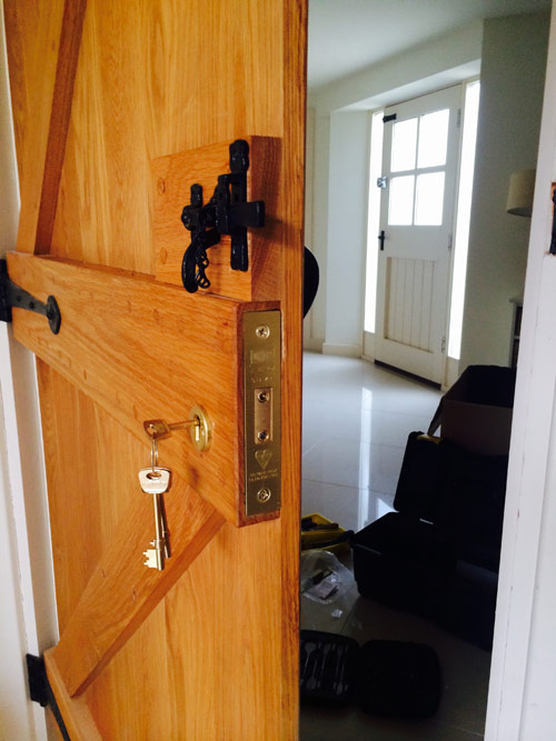 lockrite-locksmiths-deadlock-oak-door