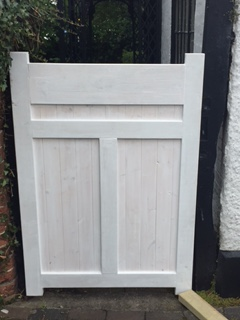 bespoke-gate-built-and-fitted-with-lock-2