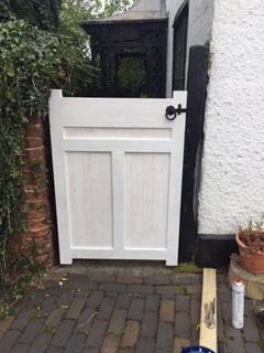 bespoke-gate-built-and-fitted-with-lock-3