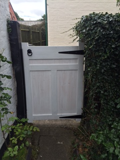 bespoke-gate-built-and-fitted-with-lock-4