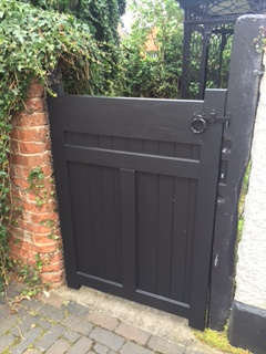 bespoke-gate-built-and-fitted-with-lock-5