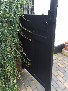 bespoke-gate-built-and-fitted-with-lock-7