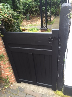 bespoke-gate-built-and-fitted-with-lock-8