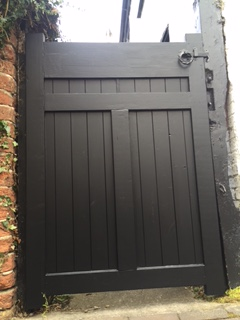 bespoke-gate-built-and-fitted-with-lock-9